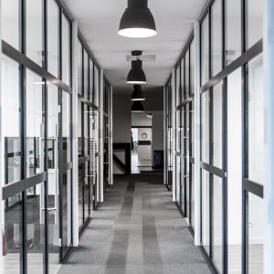 Aluminium and glass partition wall Lamo