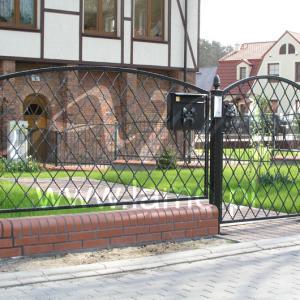 Bramy i ogrodzenia stalowe Lamo