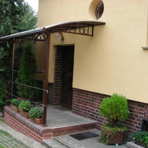 Daszek nad drzwi Lamo