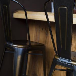 Krzesła i hokery Lamo
