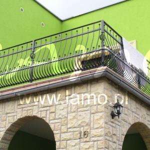 Na balkon balustrada Lamo