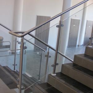 Nierdzewna balustrada wewnętrzna Lamo