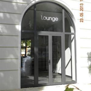 Storefront Lamo 2