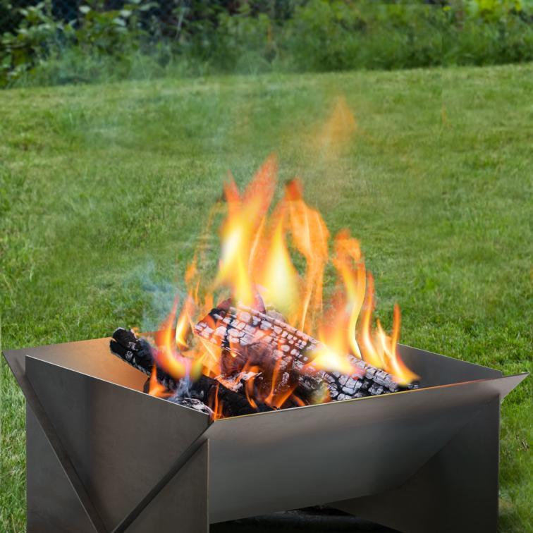 Garden Firepit Lamo